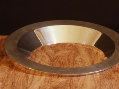 Schaal  | verzilverd brons |  diameter 40,5 cm